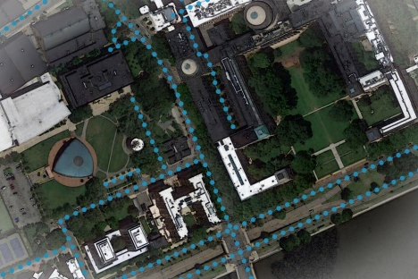 Using artificial intelligence to enrich digital maps